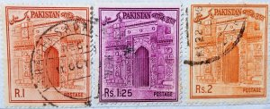 Pakistan:1963:(20% reduced price)Mosque:Set of 3 Single Stamps: Used