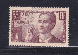 France B79 Set U Blind Man And Radio (B)