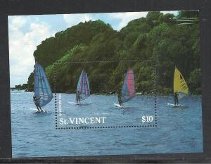 St Vincent #1099 comp mnh cv $6.75 Boats