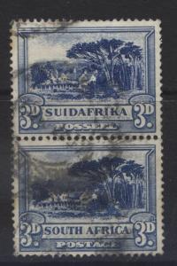 SOUTH AFRICA - Scott 39 - Groote Schuur-1930- FU - Vert. Pair 3d Stamps