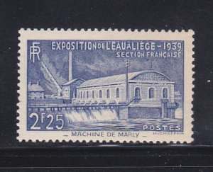 France 388 Set MH Pumping Station
