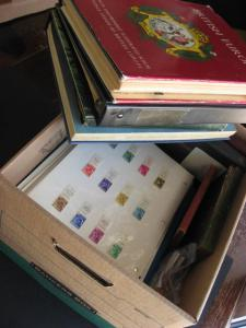Trash to treasure WW boxlot, searching fun! PLZ Read Desc