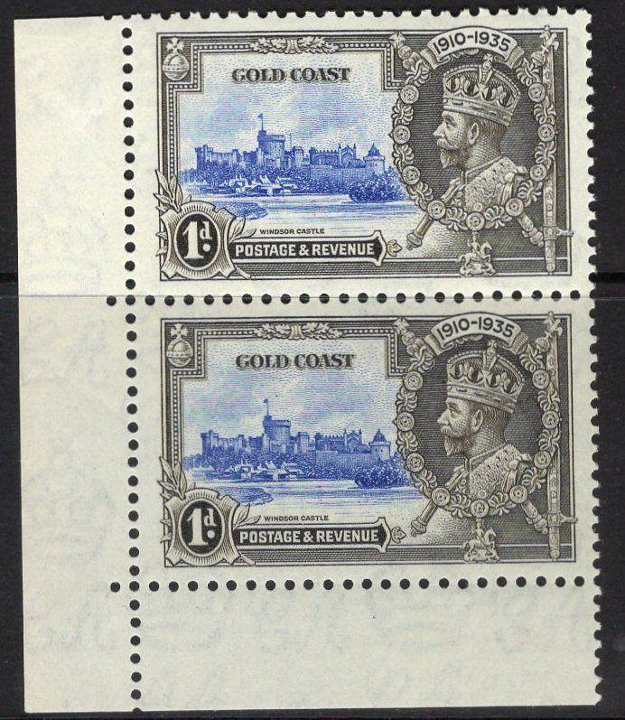 GOLD COAST SG113/a 1935 1d SILVER JUBILEE EXTRA FLAGSTAFF IN PAIR MTD MINT
