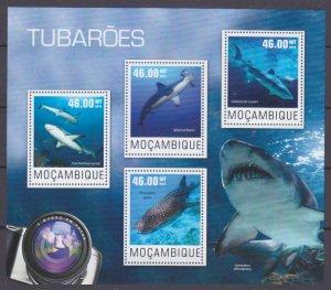 2014 Mozambique 7570-7573KL Marine fauna - Sharks 10,00 €