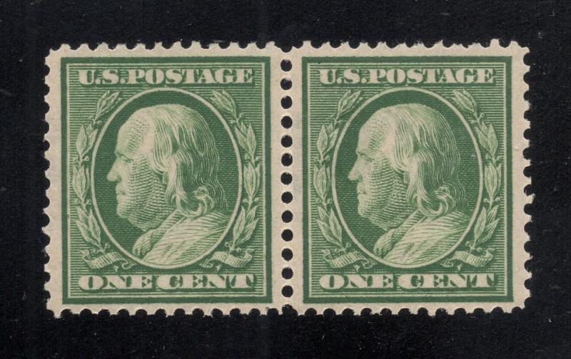 US#374 Green - Pair - O.G.