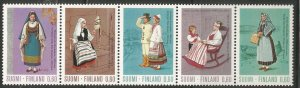 FINLAND  537A  MNH,  STRIP OF 5, REGIONAL COSTUMES
