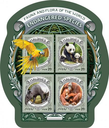 MALDIVES 2016 SHEET ENDANGERED SPECIES PARROTS PANDA BEARS WILDLIFE mld16609a