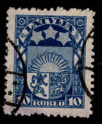 Latvia Scott 108 Used coat of arms stamp