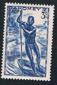 Dahomey 114 MLH Man poling canoe (BP0995)