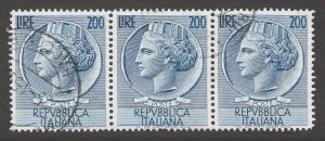 ITALY USED STAMPS SCOTT #662 1954 REPVBBLICA ITALIANA 200 LIRE STRIP OF 3