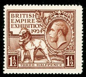 SG431, 1924 1½d brown, VLH MINT. Cat £15.