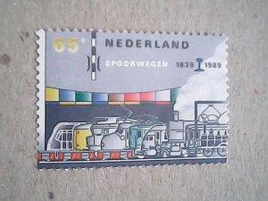 1989  Netherlands  #747  MNH  spot on back