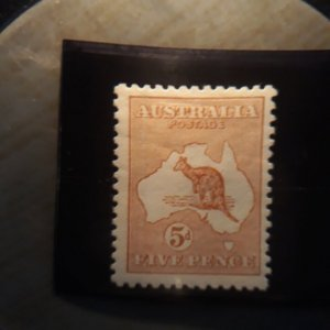 australia 7  1913 5d  or.brn VF  LH