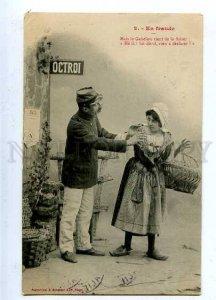 185447 FRANCE Market Seller Woman & Gendarme Vintage PC