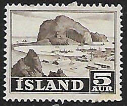 Iceland # 257 - Harbour - MNH....{GBl)