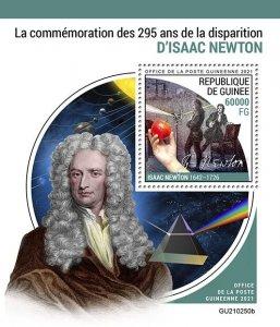 GUINEA - 2021 - Isaac Newton- Perf Souv Sheet -Mint Never Hinged