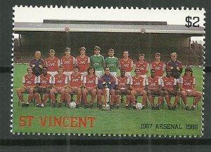 1987 St Vincent #1059 Arsenal Soccer Team MNH