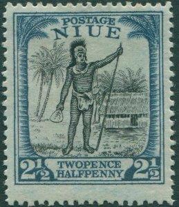 Niue 1925 SG46 2½d black and blue Rarotongan Chief MLH