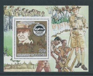Guinea #880 NH Scouts, Baden Powell - Deluxe SS