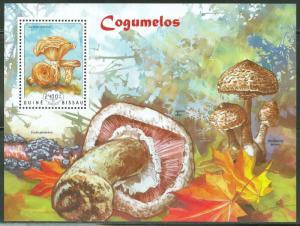 GUINEA BISSAU  2014 MUSHROOMS  SOUVENIR  SHEET MINT  NH