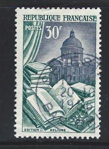 FRANCE SC #   712  USED