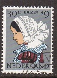 Netherlands B352  cancelled 1960   Child welfare  costumes  30c