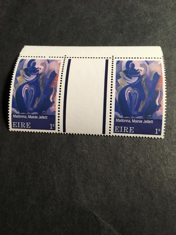 Ireland #283 1970 One SH. Painting Gutter Pair VF-NH