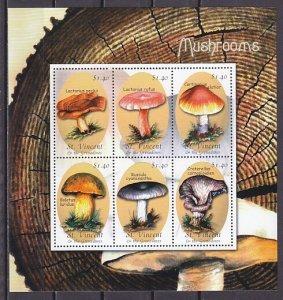 St. Vincent. Scott cat. 2900. Mushrooms sheet of 6. ^