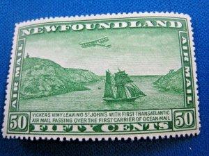 NEWFOUNDLAND  1931  -  SCOTT # C10  -   MH   (Hn8)