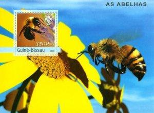 Guinea-Bissau MNH Bee & Flower 2003