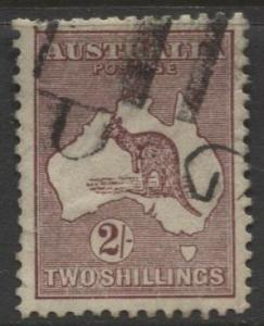 Australia - Scott 125 - Kangaroo -1931 - FU - Wmk 228 - 2/- Stamp