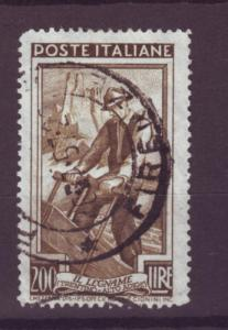 J84 jl,s stamps 1950 italy 200 lira woodcutter hv of set