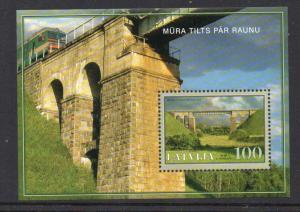 Latvia Sc 644 2006 Raunu RR Bridge stamp sheet mint NH