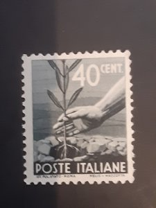 *Italy #465                   Used
