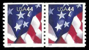 PCBstamps   US #4391 Coil Pair 88c(2x44c)Flags, 2009, MNH, (3)