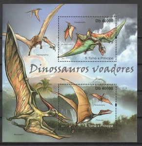 St. Thomas & Prince Islands MNH S/S Flying Dinosaurs 2011