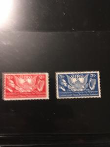 Ireland 2015 Scott #103-104 Mint VF-NH Cat. $14.50 1939 USA Constitution Set Cpl