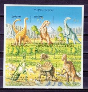 MADAGASCAR - 1999 Prehistoric Animals   M2486
