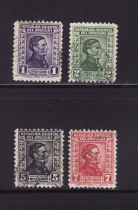 Uruguay 351, 353, 357A, 358 U José Gervasio Artigas (A)