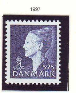Denmark Sc 906 1997 5.25 kr deep blue Queen stamp mint NH