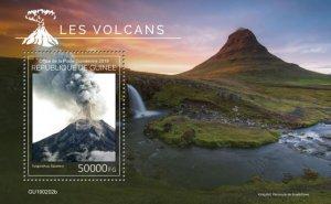 GUINEA - 2019 - Volcanoes - Perf Souv Sheet - M N H