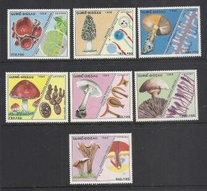 Guinea Bissau #765-71 comp mnh cv $25.60 Mushrooms