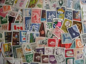 CANADA 100 different MNH older stamps. Face same=regular/tagged/precancelled