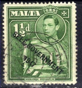 Malta 1948 - 53 KGV1 1 1/2d Green Self Government Ovpt SG 237b ( F1473 )