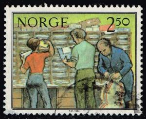 Norway #834 Sorting Mail; Used (0.25)