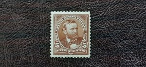 US Scott # 270; mint, og, hinged/water spots; VF centering