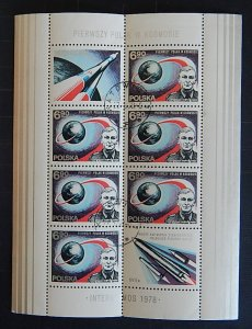 Space, Poland, (1908-T)