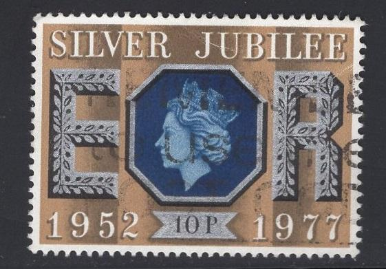 Great Britain  #812  used  1977  Silver Jubilee  10p