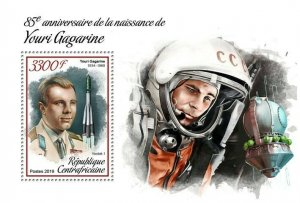 HERRICKSTAMP NEW ISSUES CENTRAL AFRICA Yuri Gagarin S/S