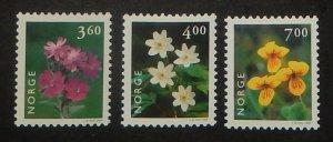 Norway 1210-12. 1999 Flowers, NH